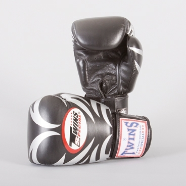 TWINS Boxhandschuh Tribal-Druck